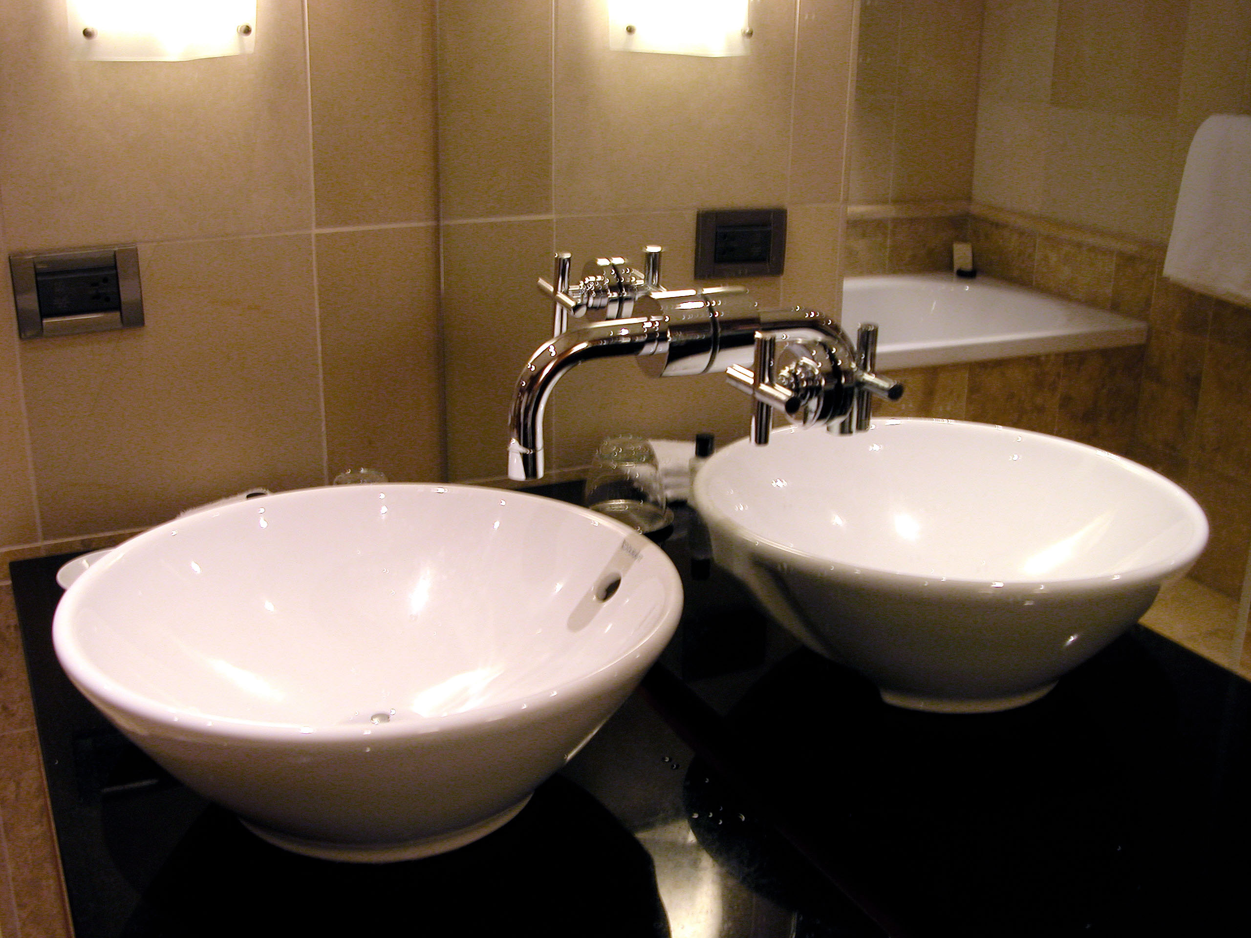 choosing a kitchen faucet what to look for looks durability rh plumbingportcharlottefl com what to look for in buying a kitchen faucet what to look for in a kitchen tap